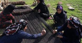 هنر سیاه چادر بافی از صنایع دستی زنان عشایر لرستان
